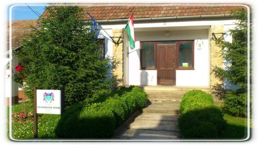Ungarnfreunde/25 Jahre Freundschaft 2013 Ofalu Seite  04